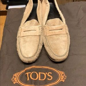 Pristine Tods Beige Fur Loafers, Size 10